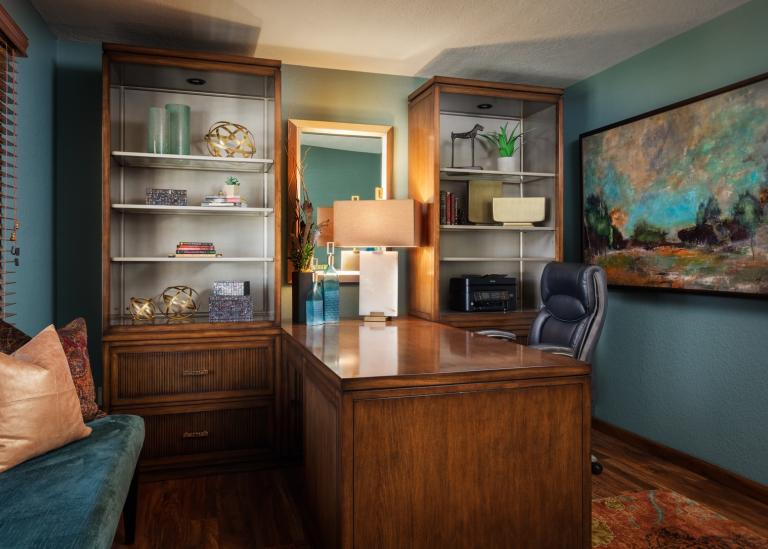 Sophisticated Transitional office